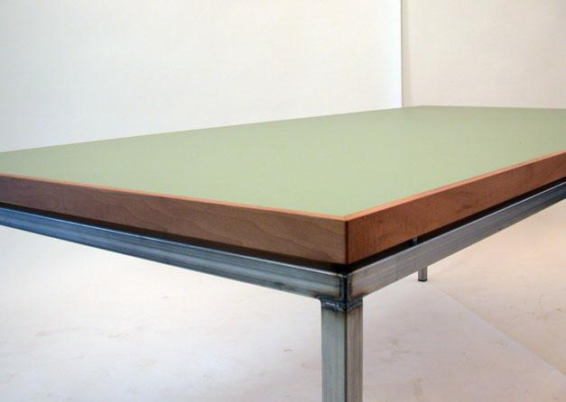 Grande table de réunion noyé et inox mt design